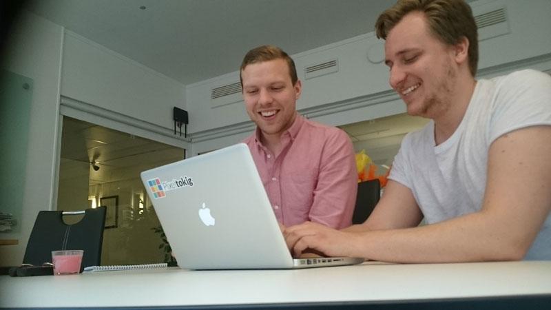 Patrick Thomenius (t.v.) och Christoffer Landberg (t.h.) på webbyrån Pixeltokig