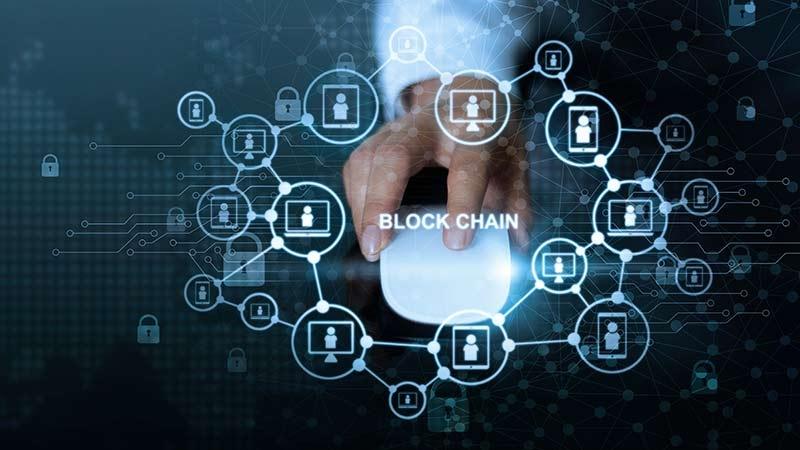 Blockkedjan gör med pengar som internet gjorde med information