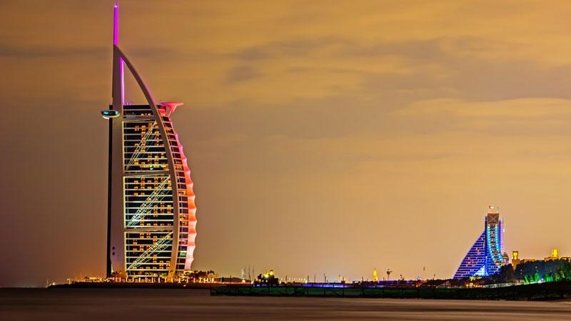 Burj Al Arab, 7-stjärnigt hotell i Dubai. Författad av Annika Wihlborg