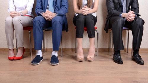 Intervjukandidater väntar på sin tur att bli intervjuade