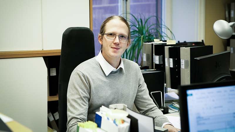 Carl-Magnus Falk, hos Parameter Revision