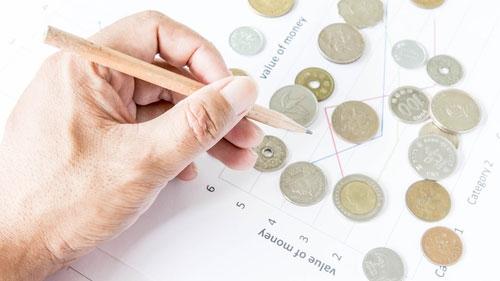 Täckningsbidrag heter contribution margin på engelska. Text av John Knutsson