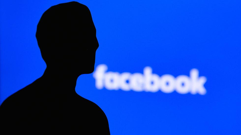 När konton stängs av söker fler alternativ till Facebook och Twitter