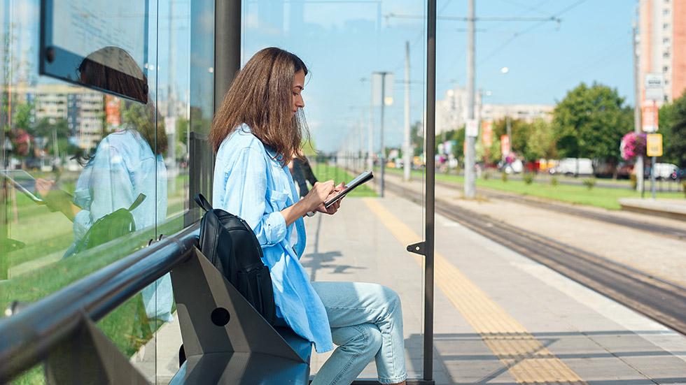 Framtidens distribuerade arbetsliv: 2022 kommer varannan arbeta mobilt