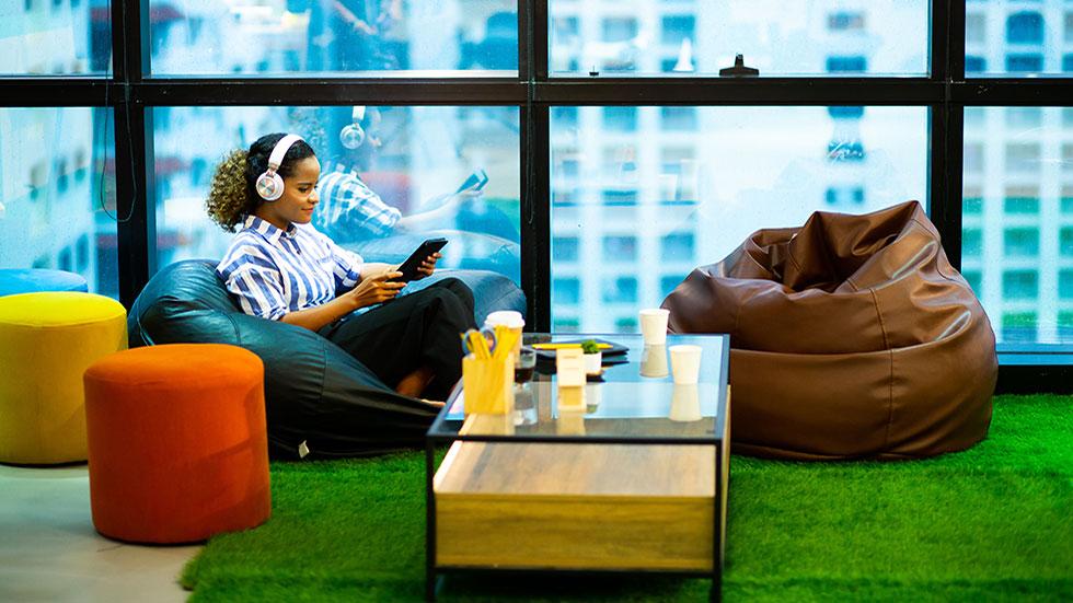 Guide: Så håller du dig produktiv i öppna kontorslandskap