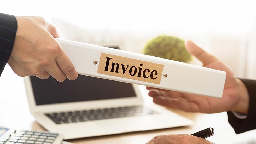 Sälja fakturor är en farlig väg som kan leda till privata skulder livet ut